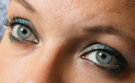 Alergiczne zapalenie spojówek - objawy, leczenie