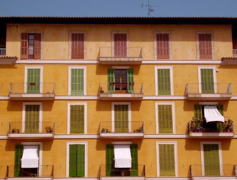 Inwestowanie w nieruchomości za granicą - warto?