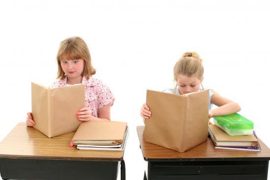 Ubezpieczenie NNW w szkole - czy jest obowiązkowe, jak ubezpieczyć dziecko?