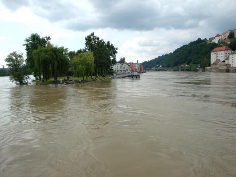Ubezpieczenie domu, mieszkania od powodzi - problemy z wypłatą odszkodowania, zakres ubezpieczenia.