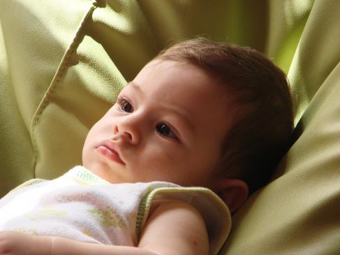 Kiedy wprowadzać nowe pokarmy do diety niemowlęcia?