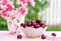 Jak usunąć plamy z soku wiśni lub czereśni?
