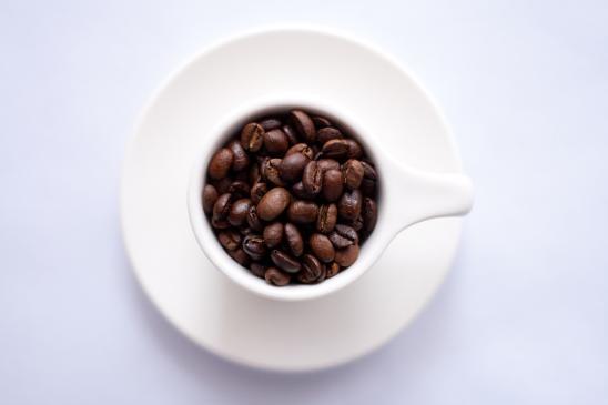 Jak usunąć plamy z kawy?