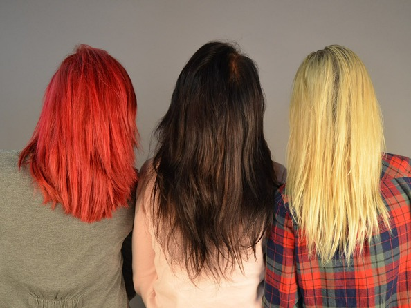 Jak usunąć ślady po farbie do włosów?