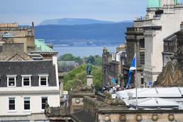 Zarobki w Edynburgu