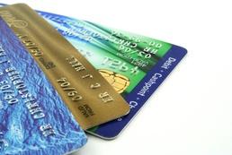 Karta kredytowa czy kredyt - porównanie