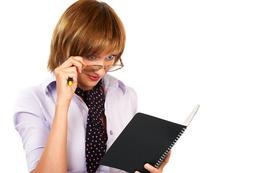 Jak przetrwać okres urlopowy w firmie?