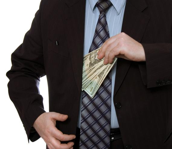 Wypłaty dużych sum pieniędzy a bezpieczeństwo