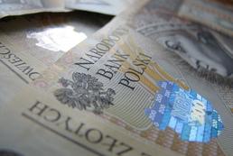 Kredyt samochodowy w złotówkach czy walucie obcej?