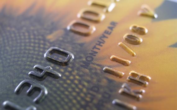 Na co zwrócić uwagę przy wyborze karty kredytowej?