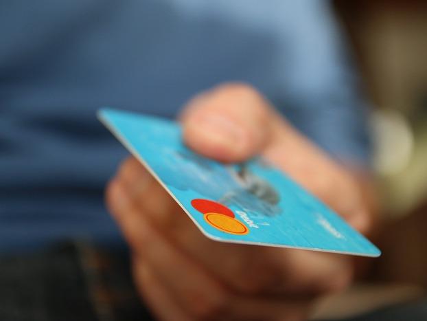 Jak obcokrajowiec może założyć konto w polskim banku?