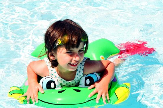 Jak spędzić wakacje z małym dzieckiem?