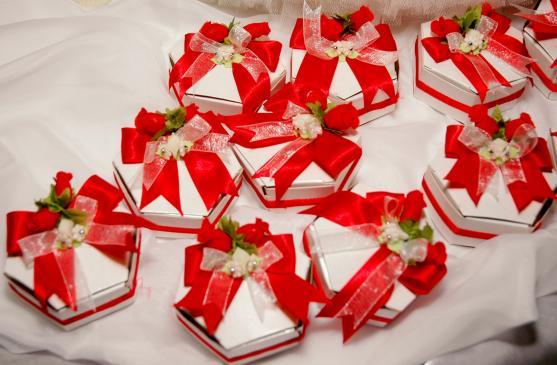 Jakie prezenty dla gości weselnych wybrać?