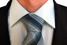 Jak zawiązać krawat? - węzeł Shelby