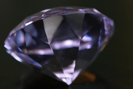 Czy warto inwestować w diamenty?