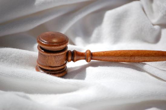 Jak napisać wniosek o zwolnienie z kosztów sądowych?