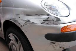 Rysy na samochodzie - usuwanie