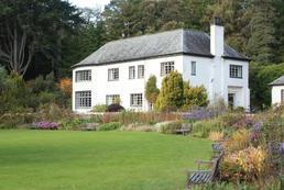 Jakie prace w ogrodzie jesienią?