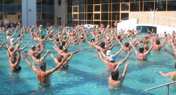Aqua aerobic - jakie ćwiczenia?