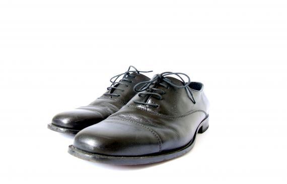 Buty do garnituru - jakie wybrać?
