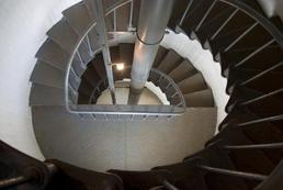 Czym wykończyć schody wewnętrzne?