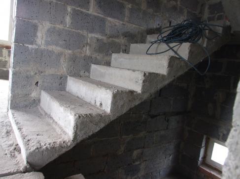 Szalowanie schodów krok po kroku