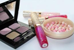 Podstawowe kosmetyki, które warto mieć przy sobie