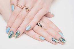 Niebieskie paznokcie - wzory