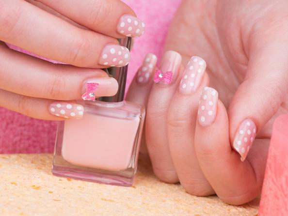Jak zrobić kropki na paznokciach?