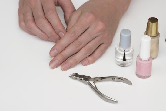 Jak piłować paznokcie żelowe?