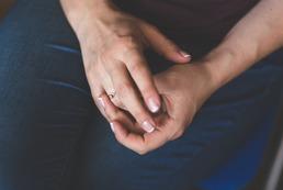 Jak piłować paznokcie na kwadrat?