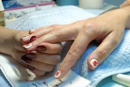 Zdobienie paznokci linerem