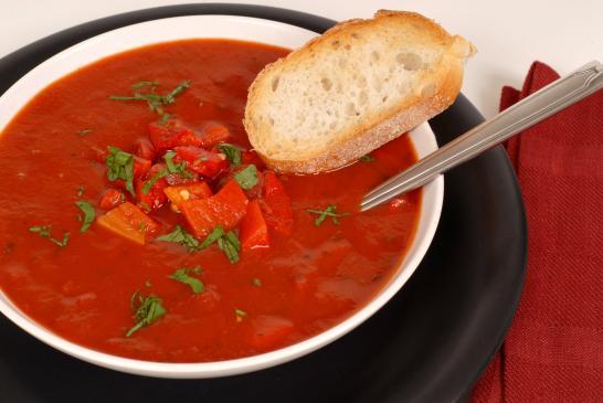 Zupa pomidorowa wegetariańska - przepis