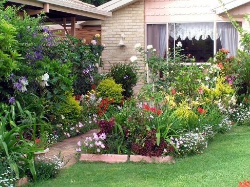 Zacieniony ogród - jak go urządzić?