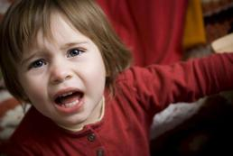 Jak reagować na krzyk dziecka?