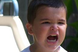 Jak reagować na histerię dziecka?