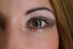 Jak kontrolować kontakt wzrokowy podczas rozmowy biznesowej?