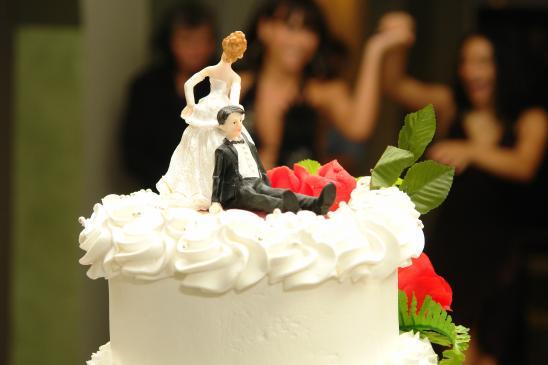 Czy warto dekorować ślubne zdjęcia?