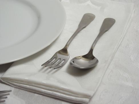 Podawanie do stołu – serwis rosyjski
