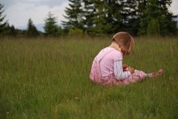 Dziecko wycofane – jak pomóc