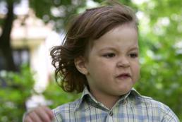 Dziecko mnie bije – jak reagować?