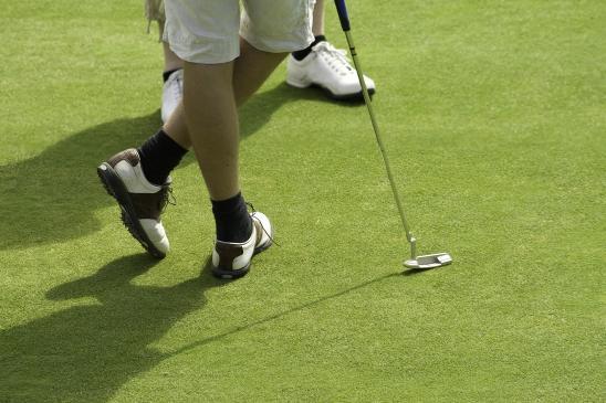 Jaki strój do gry w golfa?