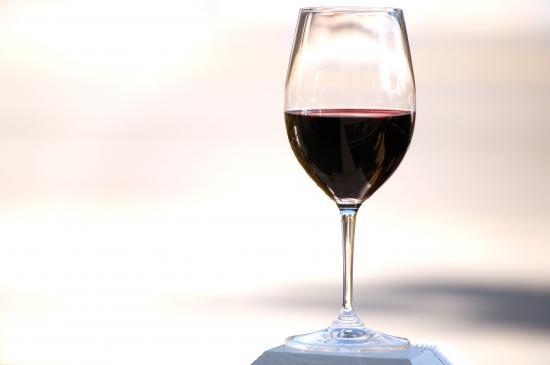 Wino z czarnego bzu – przepis