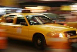 Jak zachowywać się podczas jazdy taksówką?