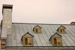 Jakie okna dachowe wybrać? Rodzaje okien dachowych