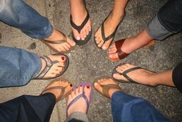 Pękające pięty - przyczyny i leczenie