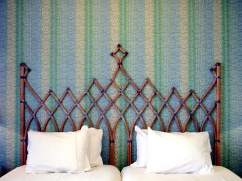 Dekoracja ścian sypialni