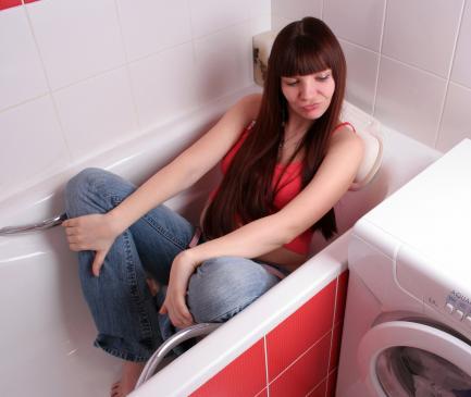 Gdzie najlepiej umieścić pralkę w łazience?