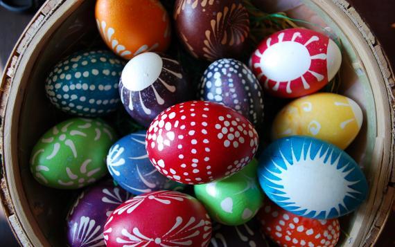 Jak zorganizować firmową Wielkanoc (