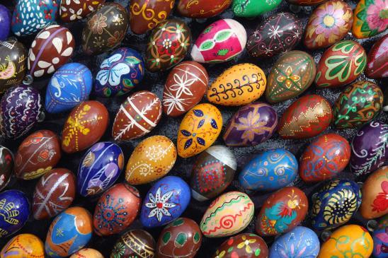 Jak malować jaja woskiem?